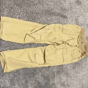 Gap pull on khakis